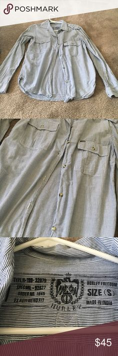 Hurley button up NWOT pin stripped Hurley button up dress it up or down! U can roll the sleeves up with buttons attached Hurley Tops Button Down Shirts