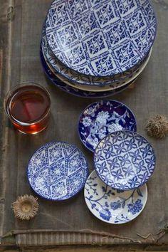 Blue + white table plates