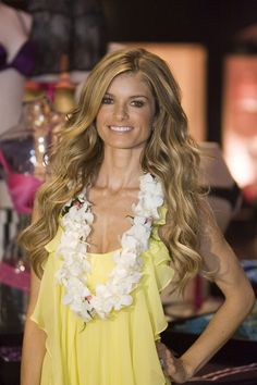 My ultimate figure icon…love her! Source by brennanf Victoria Secret Store, Victoria Secret Hair, Victoria Dress, Marisa Miller, Sienna Miller, Makeup And Beauty Blog, Anja Rubik, Teen Hairstyles, Tokyo Fashion