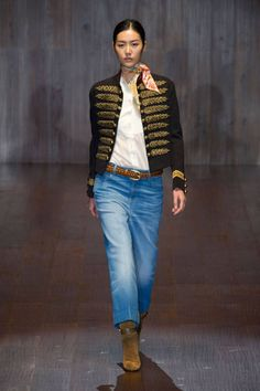 Gucci Spring 2015. See the best runway looks from Day 1 of Milan Fashion Week here.