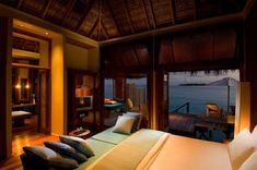 That is the ultimate bedroom. I need a view like that to be motivated to wake up every morning.