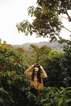 Magic in Costa Rica ✨ Travel Style - Dreamy Travel Photos - Coffee Farms @Stutterheim Raincoat #raincoat #costarica #travelstyle