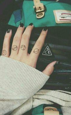 Tattoos, planets My WeHeartIt: @photographer_leni