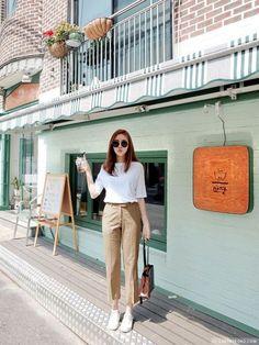 Ideas For Moda Femenina Casual Ideas Work Outfits Korean Fashion Trends, Asian Fashion, Look Fashion, Trendy Fashion, Korea Fashion, Fashion Spring, Trendy Style, Korean Fashion Office, Feminine Fashion