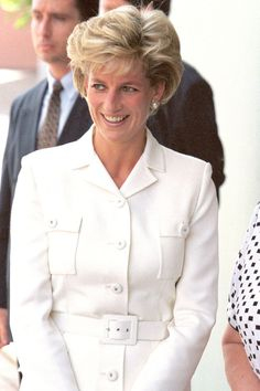 Princess Diana Hairstyles and Cut - Princess Diana Hair Princess Diana Biography, Princess Diana Hair, Princess Diana Wedding, Princess Diana Fashion, Princess Diana Family, Princess Diana Pictures, Lady Diana Spencer, Great Hairstyles, Pippa Middleton