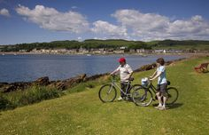 Scotland boasts a number of wonderful bike routes as part of the larger National Cycle Network, which includes more than 22,000km of bike-friendly paths and roads throughout the United Kingdom.