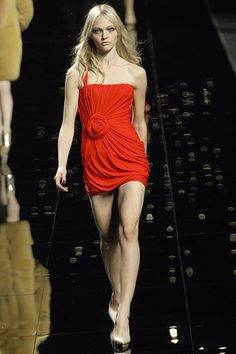 Emanuel Ungaro Fall 2007 Ready-to-Wear - Collection - Gallery - Style.com