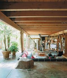 Moon to Moon: The home of....Architect Ken Meffan I love his home and design