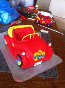 Bronnie Bakes - How to make a car cake tutorial / Wiggles birthday cake
