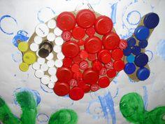 Detalles Sea Crafts, Fish Crafts, Crafts To Do, Crafts For Kids, Arts And Crafts, Bottle Cap Art, Bottle Cap Crafts, Games For Kids, Art For Kids