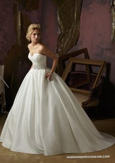 Luxe Taffeta Ball Gown Strapless Sweetheart Wedding Dress