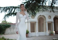 Hey future brides, here is another amazing bridal collection. It is Berta Bridal Winter a wonderful collection of long sleeve wedding dresses. Berta Wedding Gowns, Berta Bridal, Backless Wedding, Lace Wedding Dress With Sleeves, Sweetheart Wedding Dress, Long Sleeve Wedding, Dress Wedding, Wedding Blog, Lace Sleeves