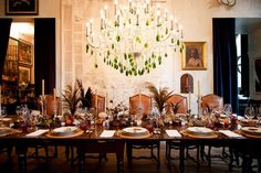 Bronson Van Wyck sets a rustic table fit for holiday entertaining