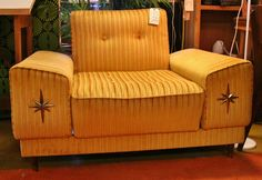 Oversized vintage chair with starburst arms!