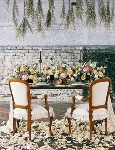 One thing is for sure: these fabulous wedding receptions will certainly take your breath away! We're highlighting some of the most popular wedding ideas featuring magnificent centerpieces, colorful blooming florals, and super creative table settings for a dream event. Take a look at our favorite events of the season, and take away great ideas.