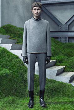 Balenciaga - Fall 2015 Menswear - Look 19 of 31 Fashion Week, Fashion Show, Mens Fashion, Fashion Design, Fashion Guide, Mode Masculine, Balenciaga Mens, Mens Fall, Future Fashion