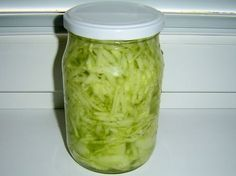 Jak připravit okurkový salát do sklenic | recept Homemade Pickles, Home Canning, Cooking Recipes, Healthy Recipes, Dairy Free Recipes, Cucumber, Food And Drink, Pizza, Yummy Food