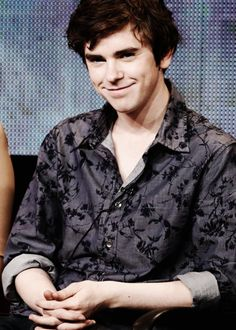 Freddie Highmore. He is totally channeling Norman here.