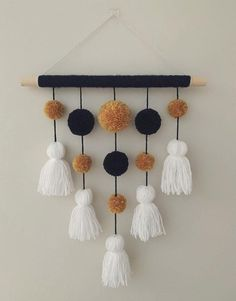 Diy Crafts For Home Decor, Diy Crafts Hacks, Diy Crafts For Gifts, Creative Crafts, Diy Yarn Decor, Kids Crafts, Wall Decor Crafts, Cute Diy Projects, Diy Crafts For Adults