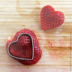 3 Healthy Strawberry Snacks for Valentine's Day - Modern Parents Messy Kids Valentines Healthy Snacks, Valentines Day Treats, Holiday Treats, Holiday Recipes, Homemade Valentines, Valentine Box, Strawberry Snacks, Strawberry Hearts, Creative Food