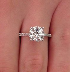 If my boyfriend ever decides he wants to marry me in the future, and one of my friends knows, please direct his attention to this ring lol. PERFECTION! 2 CT ROUND CUT D/SI1 DIAMOND SOLITAIRE ENGAGEMENT RING 14K WHITE GOLD