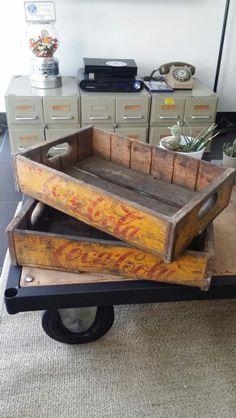pingl par stebby julien sur vintage pinterest meuble vintage et meubles. Black Bedroom Furniture Sets. Home Design Ideas