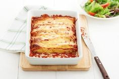 Cannelloni makes a great meal and can be counted on to tempt even the fussiest eaters. Try this pumpkin and ricotta cannelloni recipe today. Baked Pumpkin, Pumpkin Recipes, Gourmet Recipes, Pasta Recipes, Meat Recipes, Queso Ricotta, Cannelloni Recipes, Easy Pasta Dishes, Rice Dishes