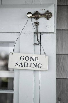 Ι should make a sign like this for September... The best month for sailing!!