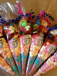 Discover thousands of images about Candy cone party favors. Filled them with peanut m & m's and bagged them in cone shaped bags. Could do blue and red for superman / red and black for spiderman etc - Maybe instead of party bags? Unicorn Birthday, Unicorn Party, Birthday Sash, Bar A Bonbon, Sweet Cones, Candy Wedding Favors, Candy Bouquet, Candy Gifts, Party Treats