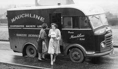 Citroen Type H, Mobile Library, Old Lorries, Step Van, Road Transport, Mobile Shop, Vintage Vans, Advertising Poster, Classic Trucks