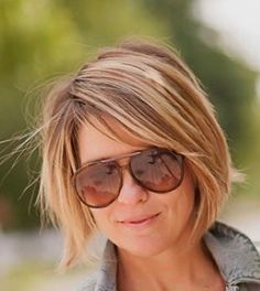 Short bangs angled bob - All For Bob Hair Trending Angled Bangs, Angled Bob Hairstyles, Pixie Haircuts, Medium Hairstyles, Curly Hairstyles, Wedding Hairstyles, Short Hair Cuts, Short Hair Styles, Short Bangs
