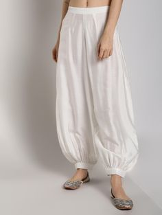 Abhishti Cotton Silk Pathani Kurta with Front Lace Panels with Bottom - Aagman - Collection Pathani Kurta, Phulkari Suit, Ethnic Looks, Punjabi Suits, Festival Wear, Cotton Silk, Types Of Fashion Styles, Pattern Fashion, Kurti