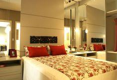 modelos de quarto de casal decorado com espelho