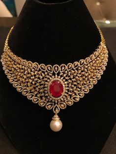 Golden necklace with a riby and pearl Indian Wedding Jewelry, Indian Jewelry, Bridal Jewelry, Gold Jewellery Design, Jewellery Box, Tiffany Jewellery, Jewellery Shops, High Jewelry, Jewelry Stores