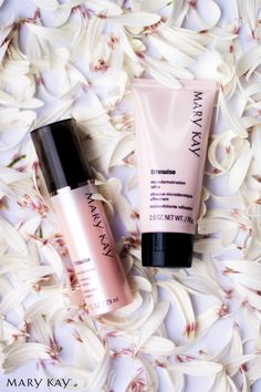 Get the look of polished, younger skin and significantly smaller pores with the new Mary Kay® TimeWise® Microdermabrasion Plus Set.