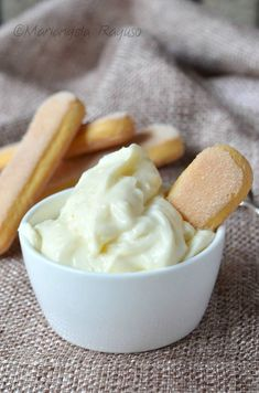 Crema diplomatica Fairy Food, Dolce, Icing, Food And Drink, Pudding, Sweets, Biscotti, Ethnic Recipes, Desserts
