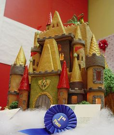 This site has a ton of gingerbread decorating ideas