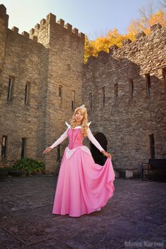 Photo submitted by MomoKurumi. Belle of the Ball Sleeping Beauty Cosplay, Aurora Sleeping Beauty, Anime Costumes, Geek Girls, Cosplay Girls, Favorite Color, Disney Characters, Fictional Characters, Things To Come