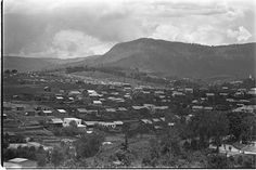Da Lat in 60's by Francois Sully - Scene general . Source : WGBH Openvault
