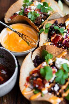 Vegan Diner, Vegan Foods, Burritos, Foodies, Tacos, Good Food, Dinner Recipes, Veggies, Wraps