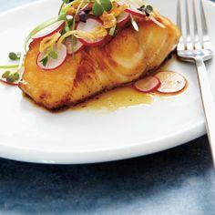 Morue charbonnière au miso   Ricardo Pork Recipes For Dinner, Mexican Dinner Recipes, Cod Recipes, Seafood Recipes, Ricardo Recipe, Black Cod, Seafood Dinner, Ethnic Recipes, Fish