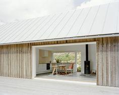 Summer House M / M.B.A.