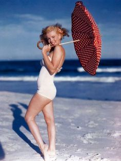 marilyn monroe - if you don't just love her, I don't get you. :-)