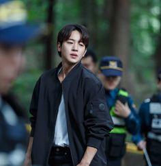 I might have just fallen in love. Lee Taesun, Hyde Jekyll Me, Korean Drama Best, Korean Dramas, Best Kdrama, Netflix, Handsome Korean Actors, Moon Lovers, Kdrama Actors