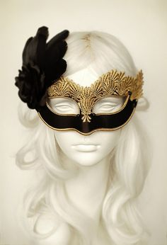 Black & Gold Lace Masquerade Mask - Venetian Style Halloween Mask With Feathers - For Masquerade Ball, Prom, Costume Party, Wedding Lace Masquerade Masks, Masquerade Party, Black Satin, Black Gold, Gold Feathers, Satin Roses, Gold Lace, Rose Gold, Halloween Masks