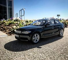 Kyosho E82 BMW 135i (Dealer Edition) - Black Sapphire Metallic