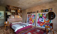Iaan Bekker's home in Pierneef slowly opens up to reveal a treasure trove of carefully considered spaces, contrasting textures and breath-taking views. South African Homes, Amazing Architecture, Frames On Wall, Paper Collages, Concrete Walls, Charlotte Perriand, Shelves, Contemporary, Bed
