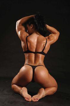 Fit & Muscular Women: Photo