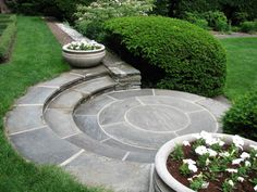 Radial bluestone steps and circular landing - beautiful! Photo by Barbara Wilson, RSDG