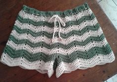 Pic of crocheted shorts.crochet inspiration ONLY.This Pin was discovered by RoeCollection of Crochet Summer S Crochet Shorts Pattern, Crochet Flower Patterns, Crochet Blouse, Moda Crochet, Hand Crochet, Free Crochet, Knit Crochet, Crochet Skirts, Crochet Clothes